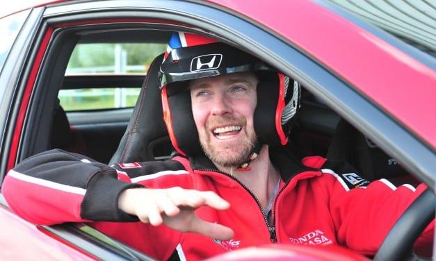 Ricky Wilson Kaiser Chief Test Drives Honda Civic Type R