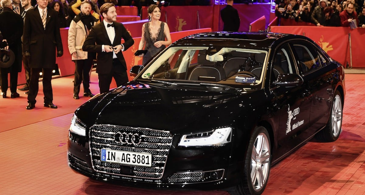 ROBOT AUDI A8 GETS FILM STAR TO THE RED CARPET